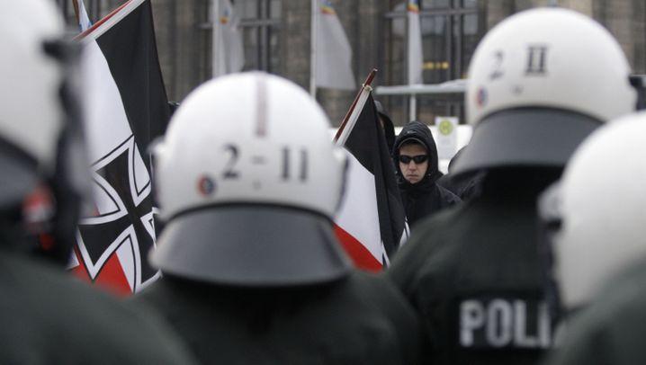 Dresden: Brennende Mülltonen und Blockaden
