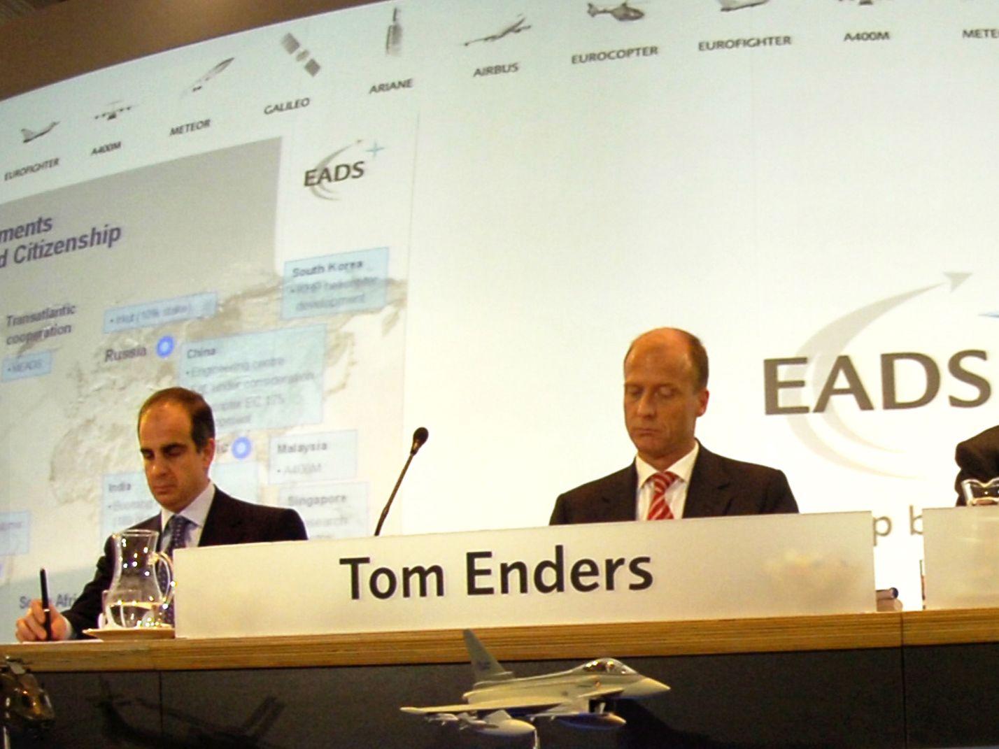 EINMALIGE VERWENDUNG Jean-Paul Gut / Tom Enders