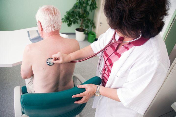 Untersuchung beim Hausarzt