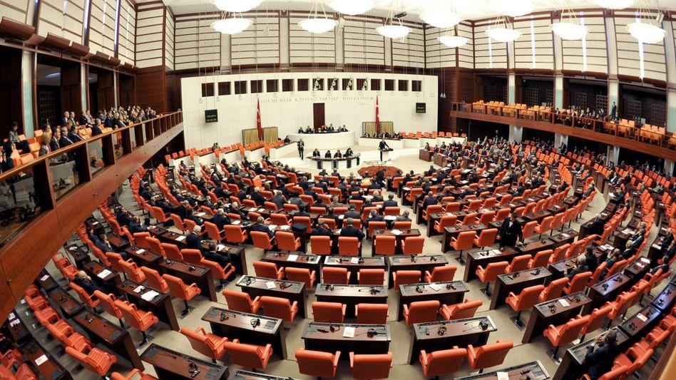 Plenarsaal des Parlaments in Ankara (Archivbild)