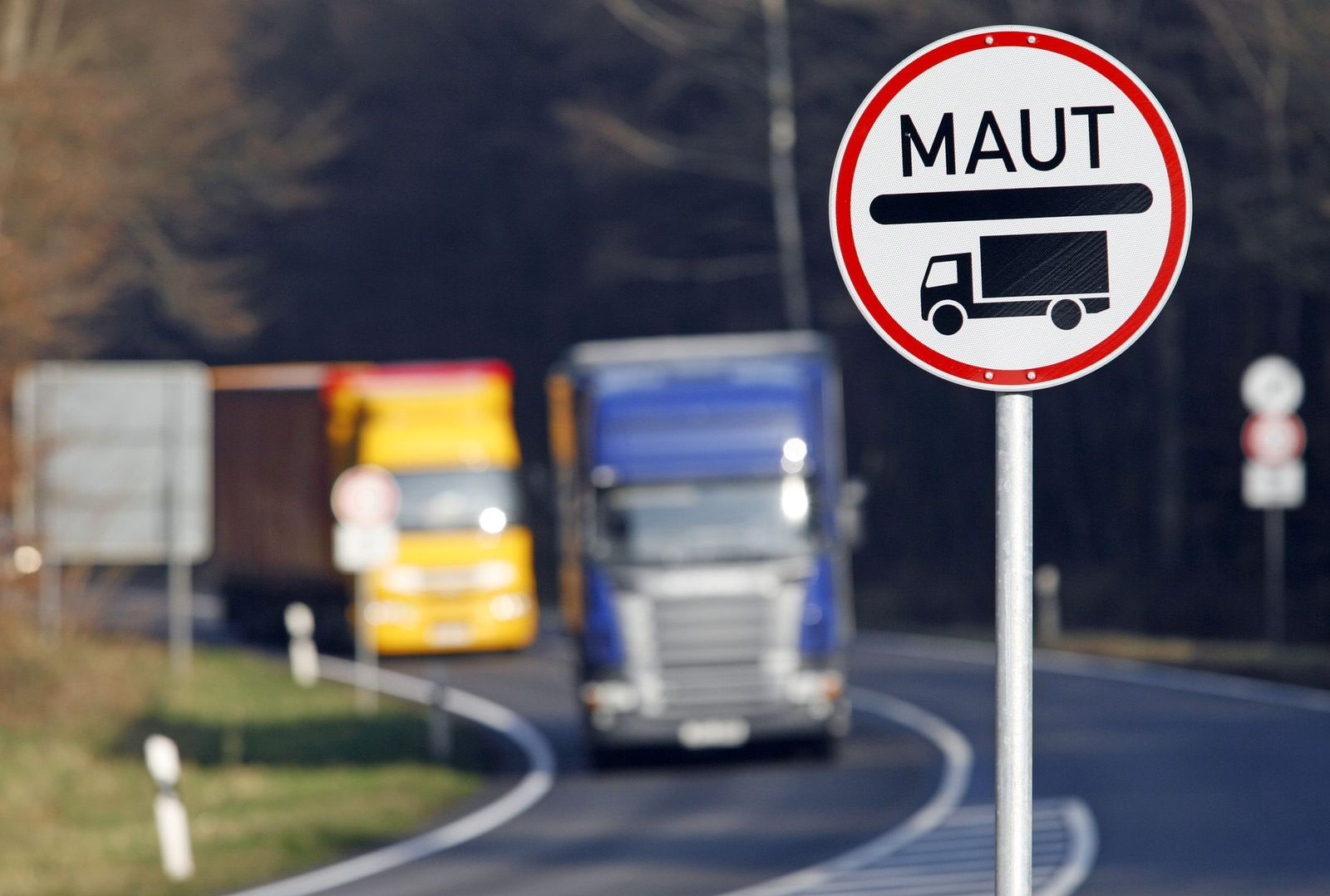Lkw-Maut auf Bundesstraße 9 in der Pfalz