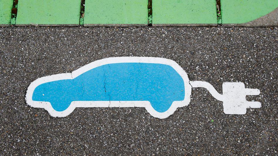 Käufer eines Elektroautos erhalten künftig eine deutlich höhere Prämie vom Staat, auch Plug-in-Hybride werden dadurch günstiger