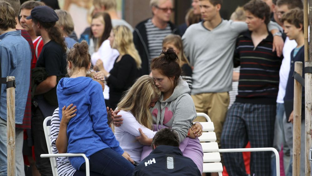 Photo Gallery: Norway Mourns Its Dead