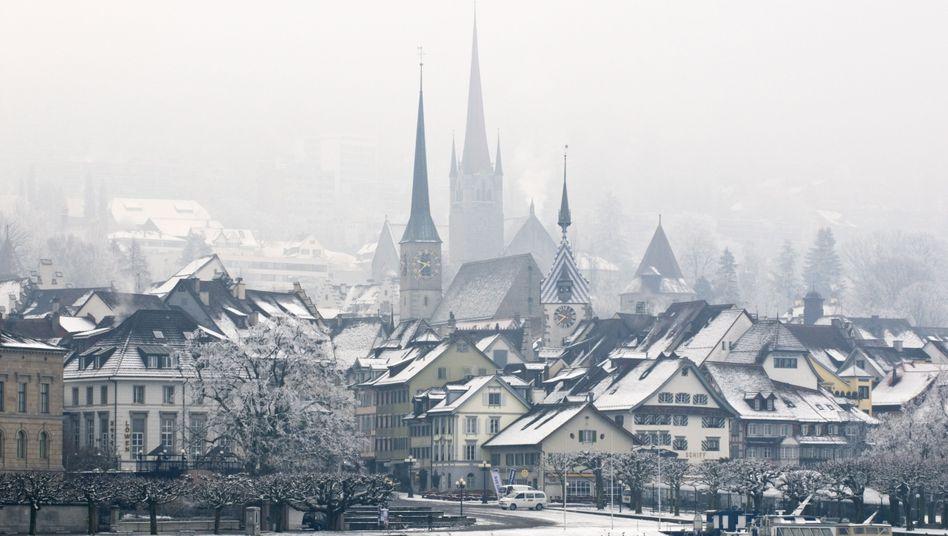 Der Ort Zug im Kanton Zug: Ein Steuerparadies für Reiche und Unternehmen