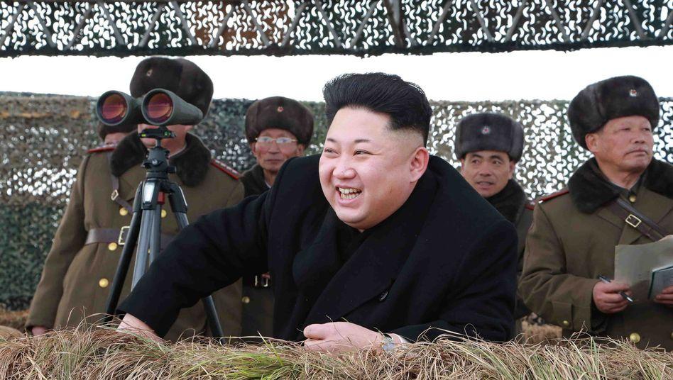 Kim Jong Un beim Truppenbesuch: Seit der Machtübernahme noch nie im Ausland