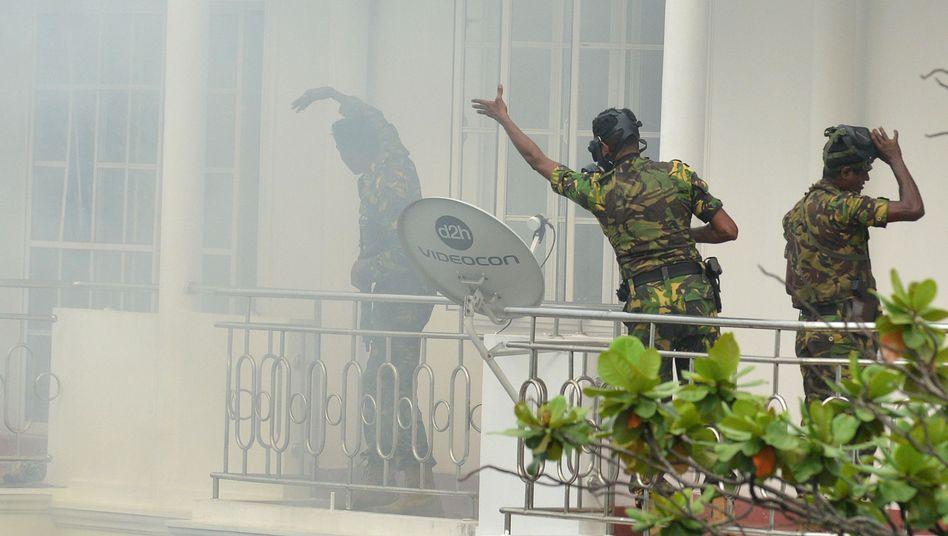 Spezialeinheiten bei einem Einsatz in Sri Lankas Hauptstadt Colombo.