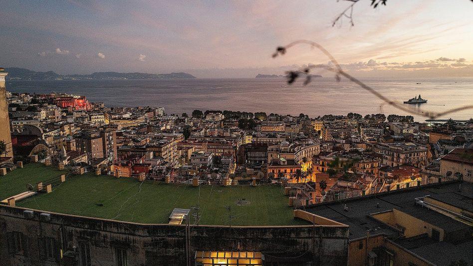 """Golf von Neapel:""""Wer hierbleibt, hat keine Chance"""""""