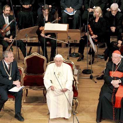 Papst Benedikt XVI. im Auditorium Maximum der Regensburger Uni: Publikum überfordert?