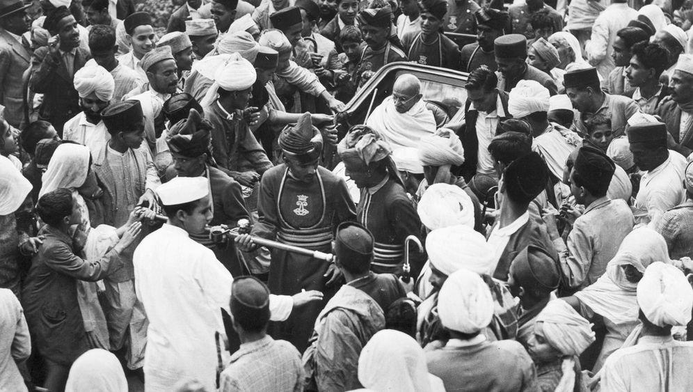 Gandhi-Biografie: Angriff auf einen Nationalheiligen