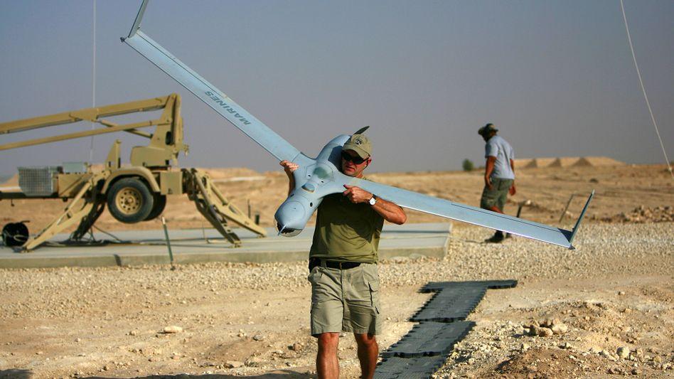 US-Soldat mit ScanEagle-Drohne: Modernste Technik zur Überwachung