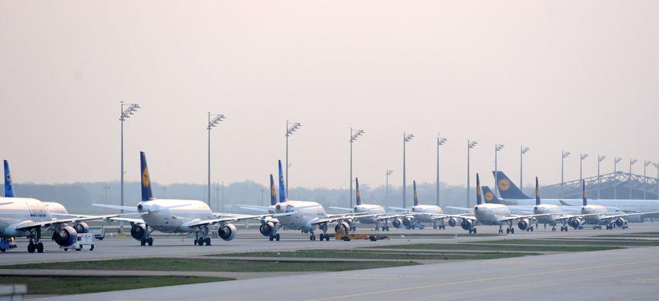 Folgen der Aschewolke: Airlines fürchten höhere Verluste als nach 9/11