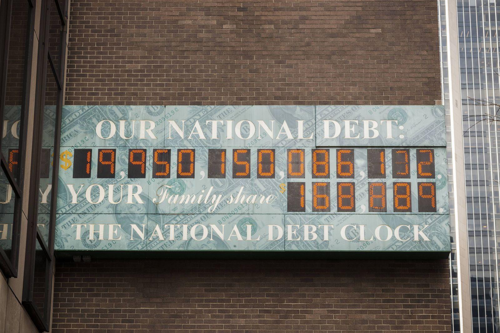 EINMALIGE VERWENDUNG USA/ Schulden / New York