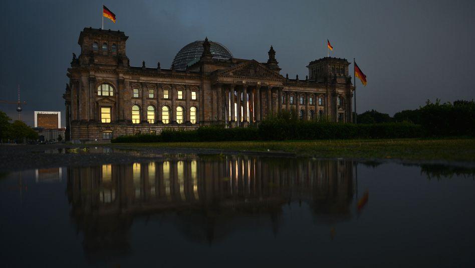 Reichstagsgebäude in Berlin: An der Rentenversicherung gespart