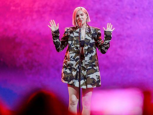 """Britische Singer-Songwriterin Anne-Marie: """"Es schmerzt, kein Publikum zu haben"""""""
