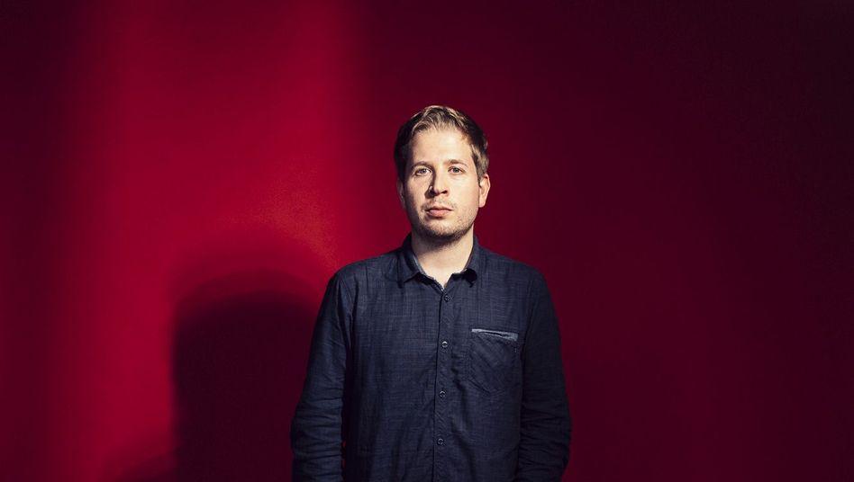 Kevin Kühnert: Er macht sich rar und hüllt sich in Schweigen