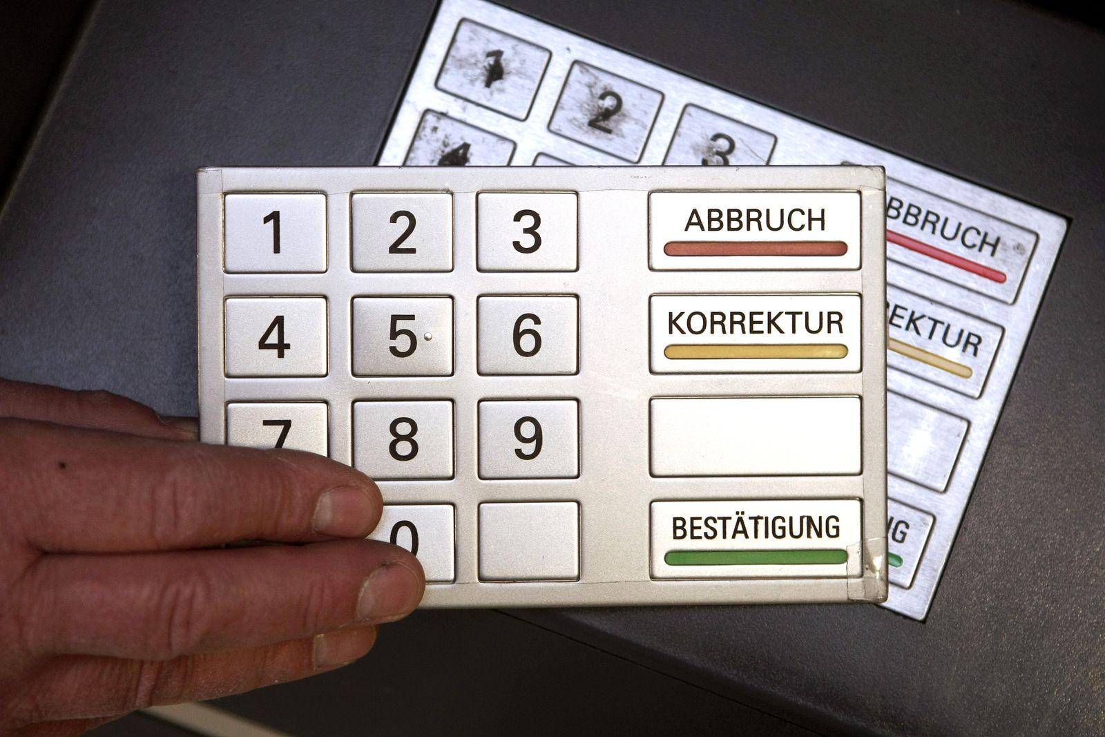 Mehr Datenklau an Geldautomaten