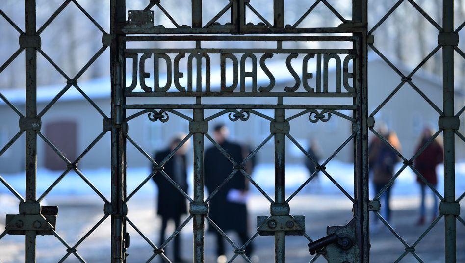 Lagertor der KZ-Gedenkstätte Buchenwald (Archivbild)