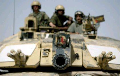 """Britischer """"Challanger 2""""-Panzer: Belagerungsring um Basra enger gezogen"""