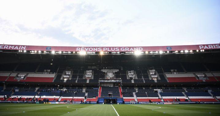 »Rêvons plus grand« steht auf dem Stadiondach: Lasst uns größer träumen