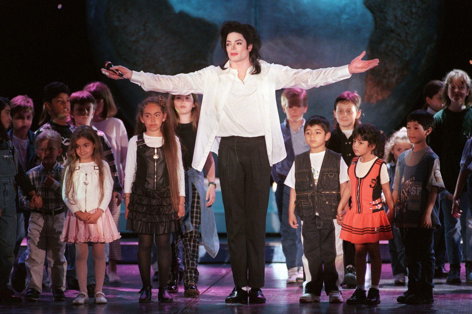 "Michael Jackson ""Leaving Neverland"""
