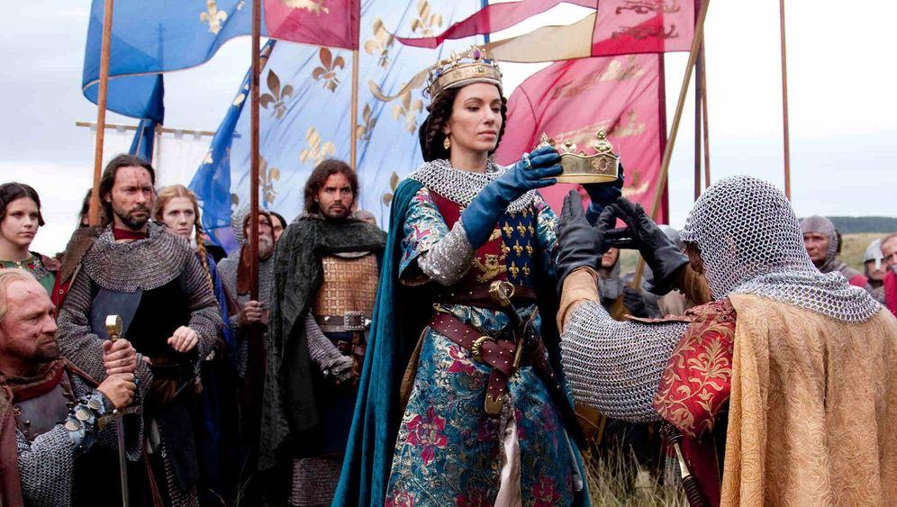 Ken Follett-Verfilmung auf Sat.1: Pärchenmärchen im Mittelalter