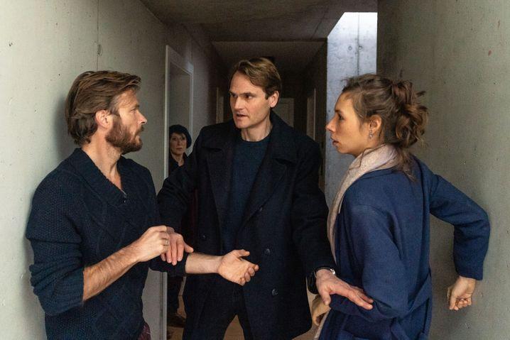 »Tatort«-Szene mit Andreas Pietschmann, Fabian Hinrichs, Linda Pöppel