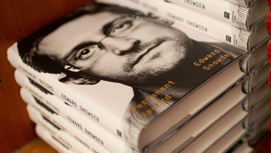 "Snowdens Memoiren ""Permanent Record"""