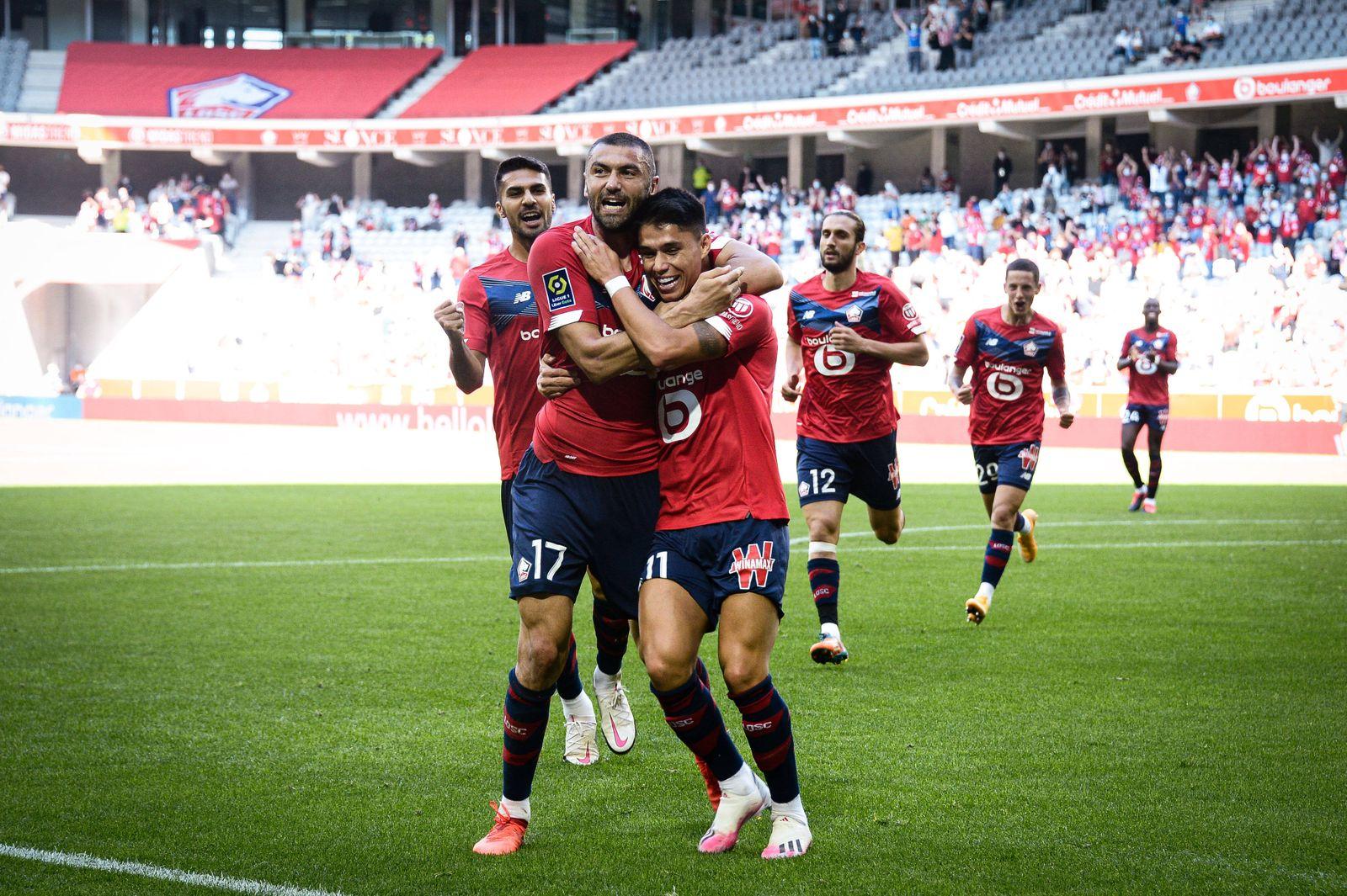 Attitude - Joie des joueurs de l equipe du LOSC apres le but de Luiz Araujo ( 11 - LOSC ) - FOOTBALL : Lille OSC vs FC M