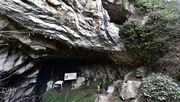 Menschen wollen wochenlang in Höhle leben