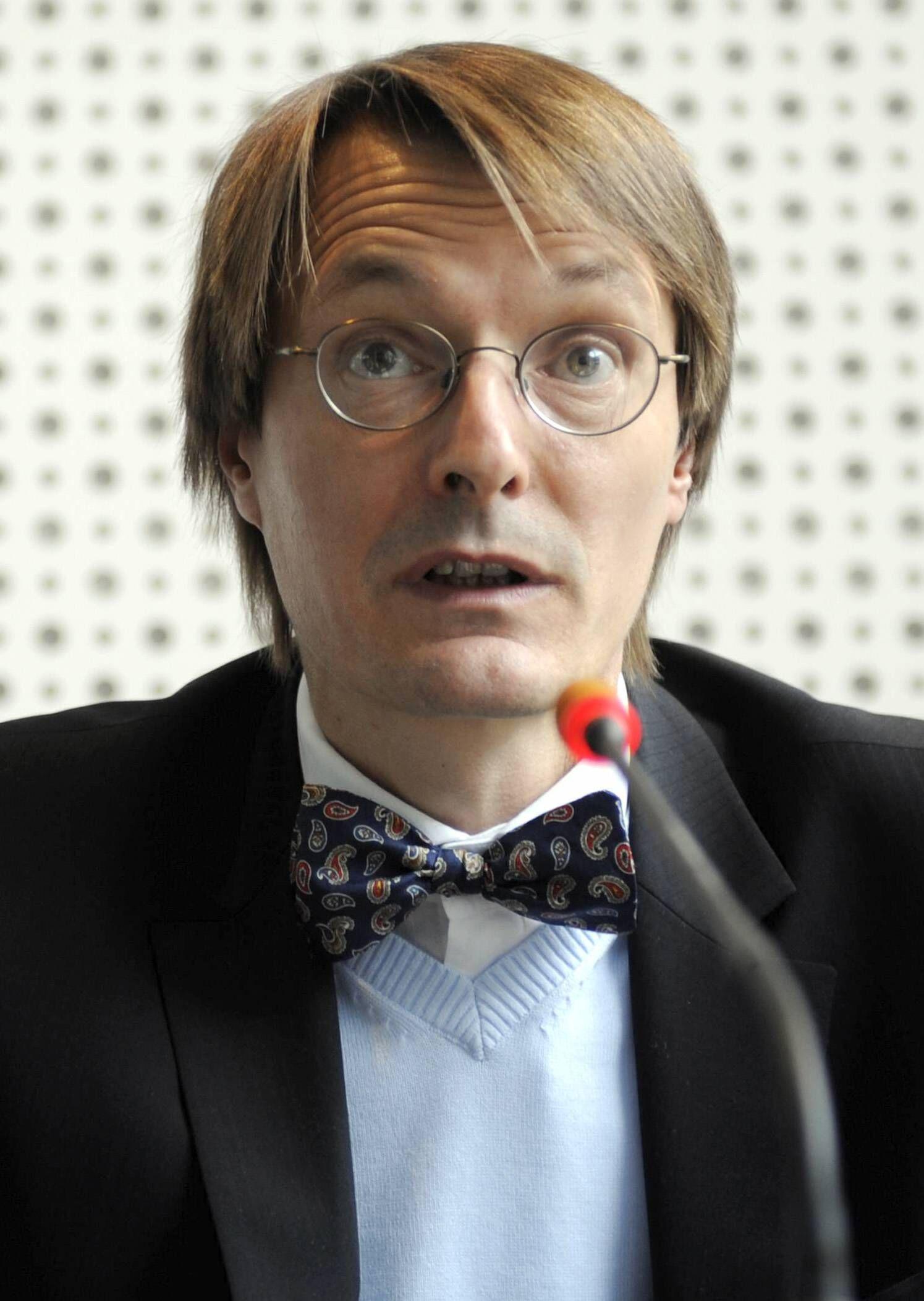 NICHT VERWENDEN SPD-Gesundheitsexperte Lauterbach wirft Aerzten Hetzkampagne vor