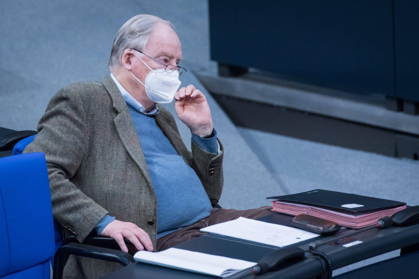 Berlin, Plenarsitzung im Bundestag Alexander Gauland (Fraktionsvorsitzender der AFD-Bundestagsfraktion) während der 220.
