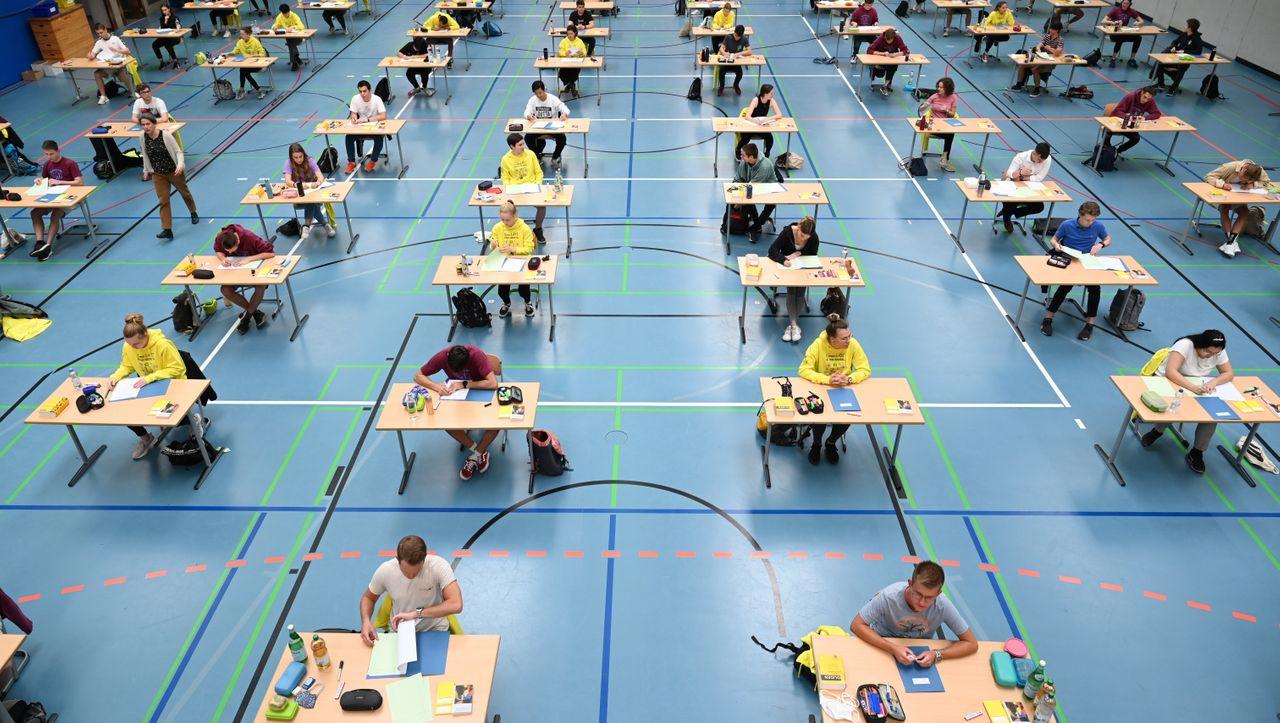 Coronapandemie: Abiturprüfungen finden laut KMK in diesem Jahr statt