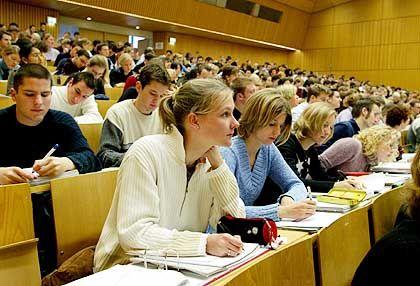 Vorlesungen und Seminare zählen bei der Staatsprüfung bald mit