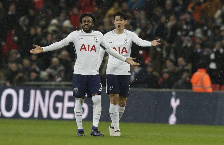 Really, referee? Tottenhams Danny Rose (l.) und Heung-Min Son