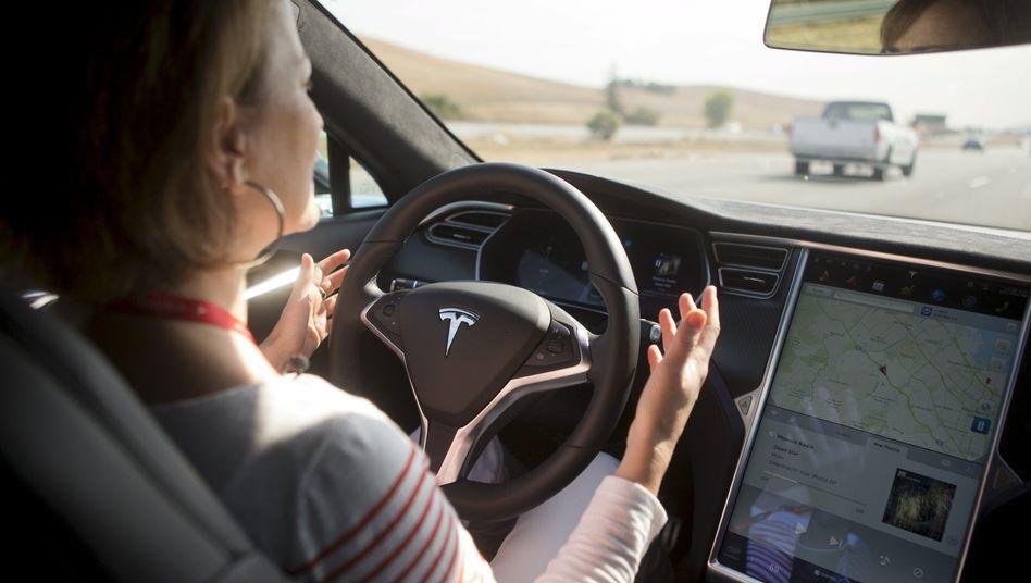 "Tesla Model S mit Autopilot-Funktionen: ""Noch in der Anfangsphase"""