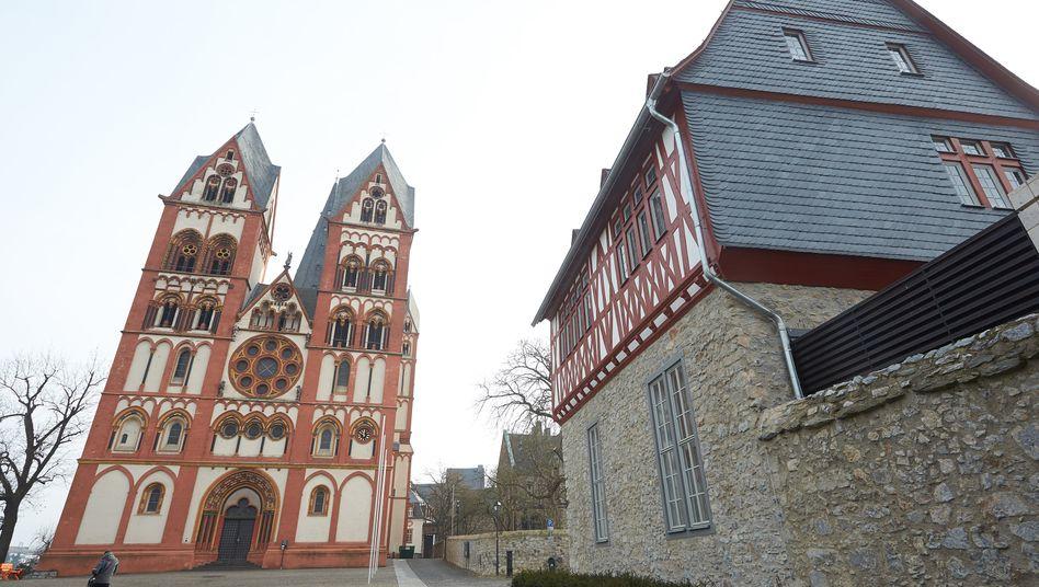 """Dom und Bischofssitz in Limburg: Bistum strebt """"Kulturveränderung"""" an"""