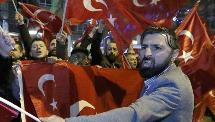 Türkei vs. Niederlande: Auftrittsverbote sorgen für Proteste