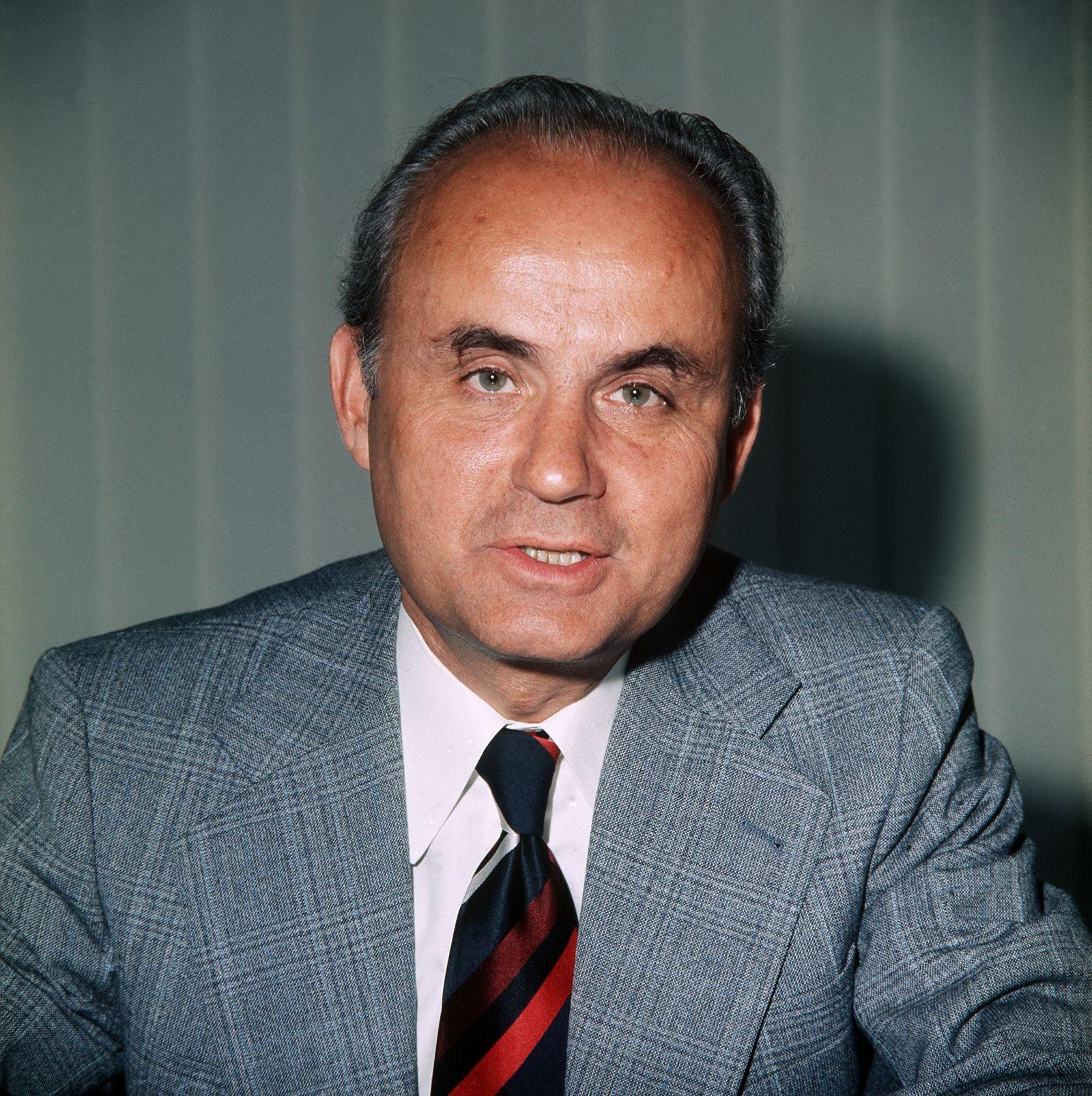 Finanzminister / Hans Matthöfer