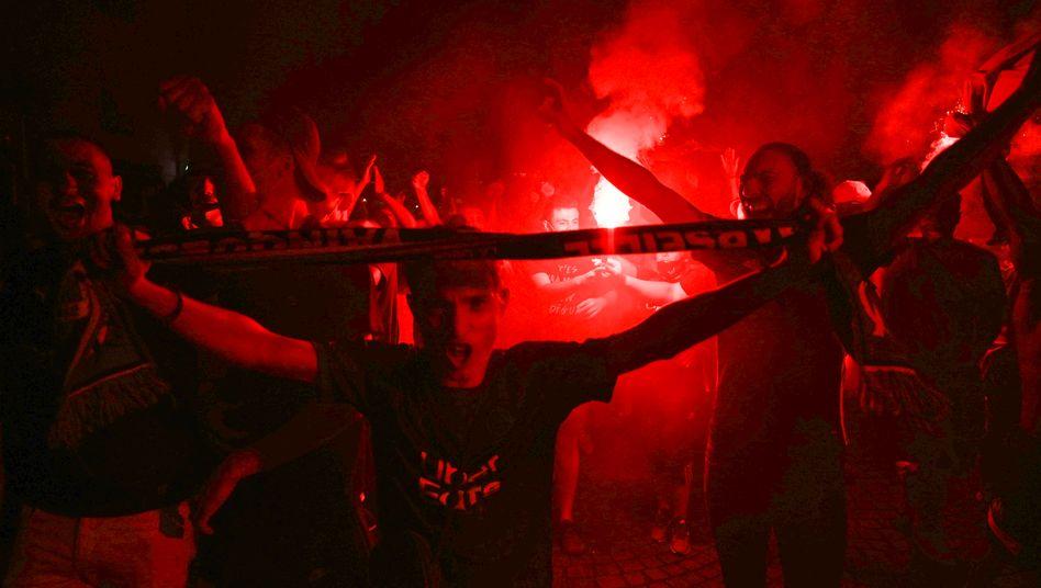 Marseille-Fans im August 2020, nachdem der FC Bayern das Champions-League-Finale gegen OMs Erzrivalen Paris gewonnen hatte