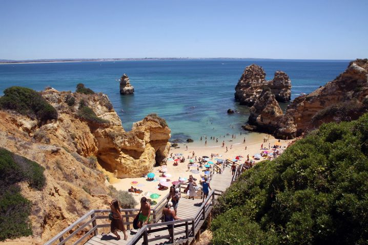Praia do Camilo: Hier wird es voll