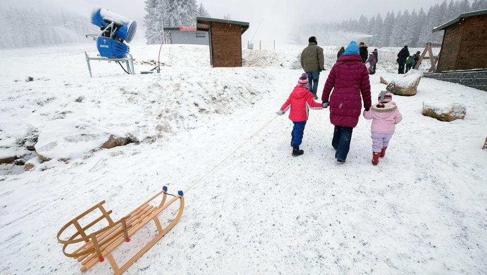 Winterwetter in Niedersachsen: Freier Tag im Schnee wegen gefälschter E-Mail
