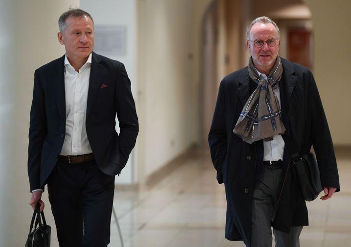 Auch Bayern Münchens Vorstatzvorsitzender Karl-Heinz Rummenigge (r.) nahm am Treffen der Vereine teil