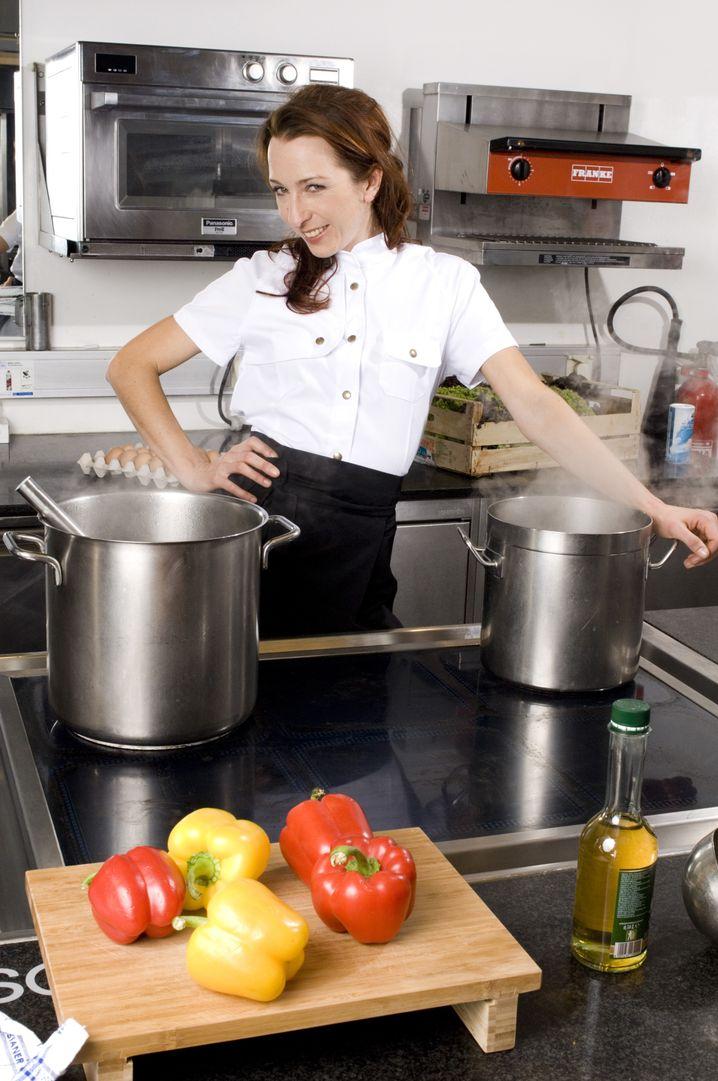 """Küchenchefin Deris: """"Es ist Teil des Deals, auch diese Schichten zu übernehmen"""""""