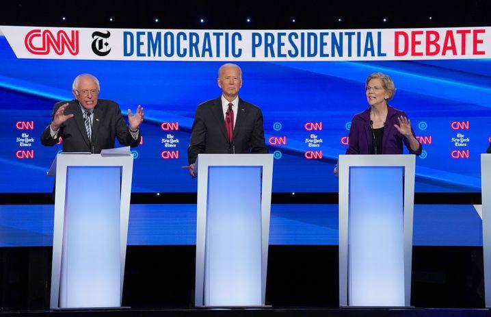 Spitzenreiter in der Mitte: Sanders, Biden, Warren
