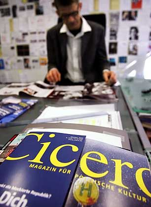 """Redaktionsbüro des Polit-Magazins """"Cicero"""": Die Durchsuchung war vom damaligen Innenminister Schily gebilligt worden"""