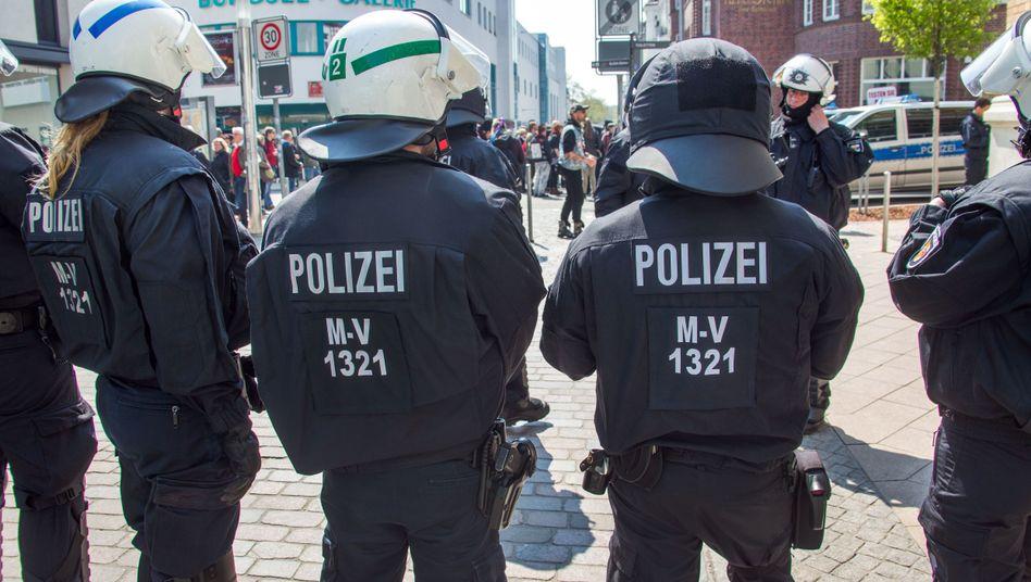 """Polizeieinsatz in Schwerin (Archivbild): Nachrichten mit """"teilweise sexuellen Bezügen"""""""
