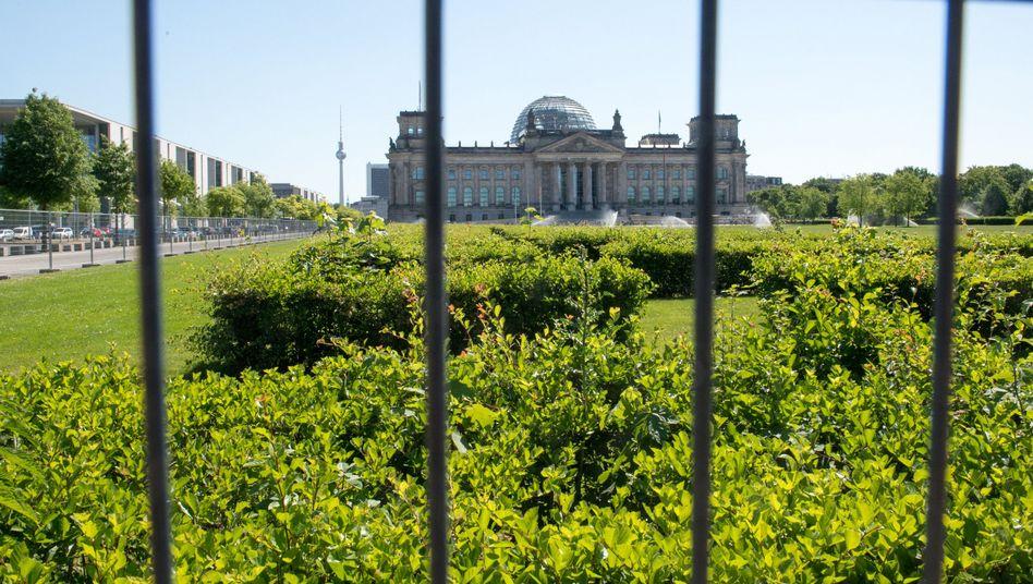 Reichstagsgebäude in Berlin: E-Mail-Daten entwendet