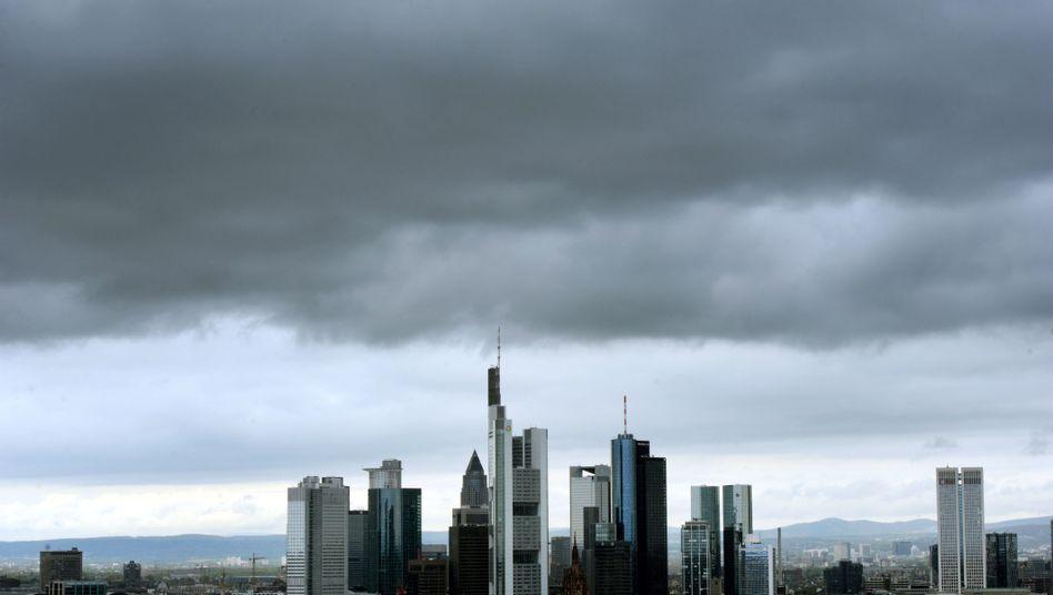 Bankenviertel in Frankfurt: Berge von Staatsanleihen in den Bilanzen