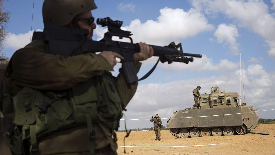 Israelischer Soldat am Gazastreifen: Erneute Feuerpause möglich