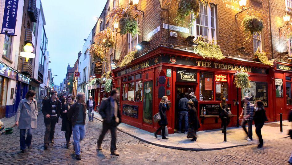 Pub in Dublin: Die jahrelange irische Rezession könnte 2013 vorbei sein